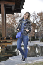 blue denim Paige Denim jeans - silver fur Ichi coat - blue denim shirt H&M shirt