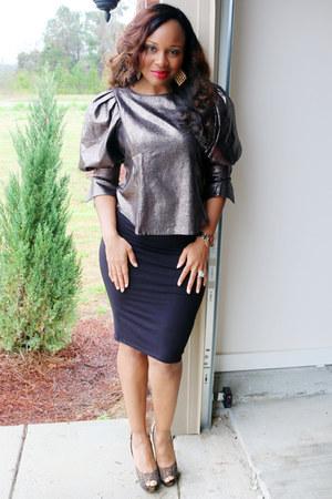 bronze Shop Pretty Pieces Boutique top - black pencil Target skirt