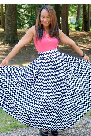black chevron pattern SB Boutique skirt - coral coral sears top