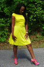 Canary-yellow-spense-dress-hot-pink-gianni-bini-heels