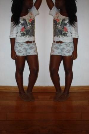 Kiabi shorts - no brand shoes - Mango t-shirt