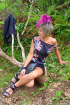 black floral print Shana dress - hot pink floral vaitevindo hat