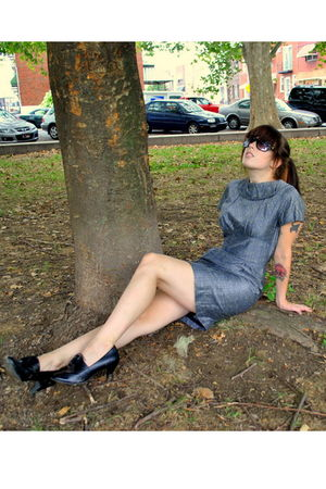 gray vintage dress - black predictions shoes - black sunglasses