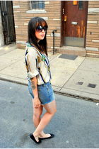 beige tablots top - blue abercrombie & fitch shorts - black thrifted shoes - bla