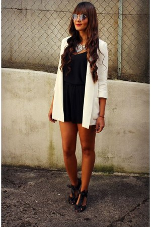 Zara blazer - Happiness Boutique necklace