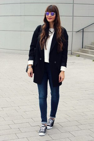 Converse shoes - Zara coat
