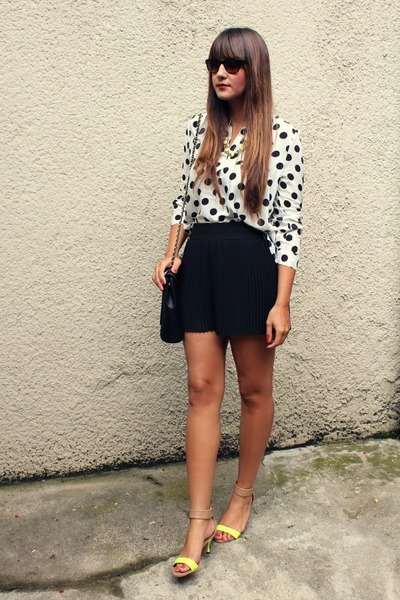 Sheinside blouse - Zara shorts