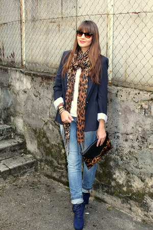 Zara blazer - H&M scarf - New Yorker bag