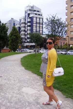 Bershka jacket - Primark skirt - GoJane shoes - Primark accessories
