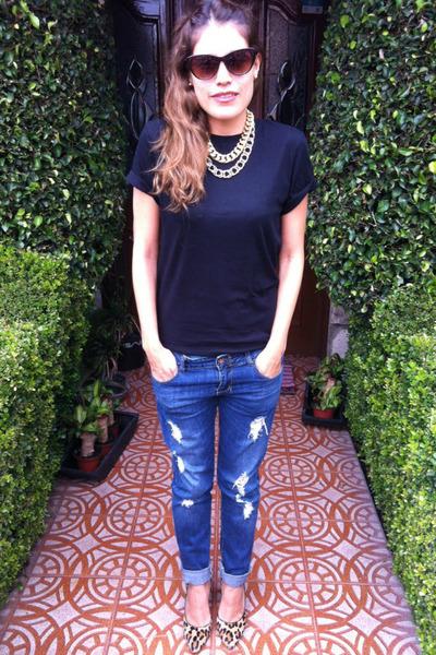 black mens H&M t-shirt - leopard Anne Klein shoes - Zara jeans