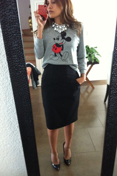 Mickey Mouse Sweatshirts, Black Pencil Mango Skirts, Sheinside ...