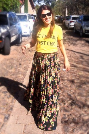 maxi asos skirt - yellow t-shirt