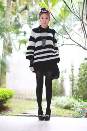 black Topshop sweater