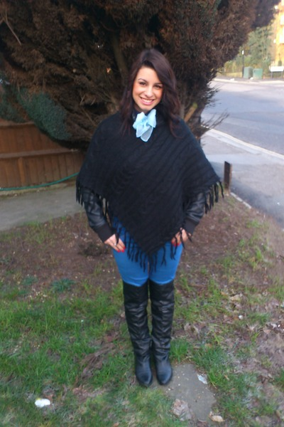 916ac09cce9 Leather Boots, Blue Jeans, Leather Jackets, Poncho Accessories ...