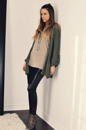 green Topshop cardigan - green H&amp;M t-shirt - black Ebay leggings - gray ASH boot