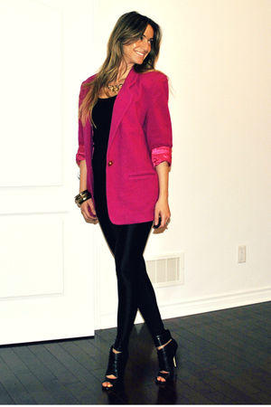 pink vintage blazer - black peep toe Aldo boots