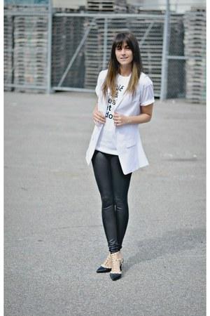 white Smart Set vest