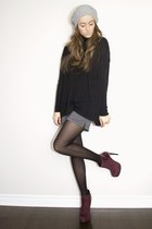 black turtleneck H&M sweater - crimson suede patent Bakers boots