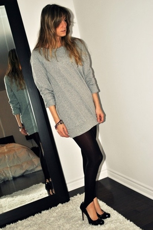 black stirrup Ardene leggings - black Aldo shoes - gray Forever 21 sweater