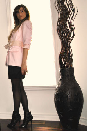 pink Ebay blazer - black H&M shorts - black Aldo boots - pink Ardene belt - gold