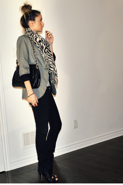 gray boyfriend fit Zara blazer - black peep toe ankle Aldo boots