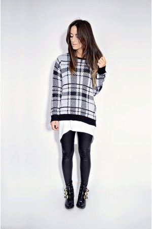 heather gray plaid fuzzy Ardene sweater - black shiny American Apparel leggings