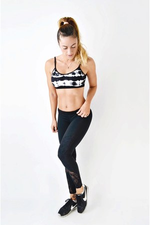 black lace insert Fabletics leggings - black nike sneakers