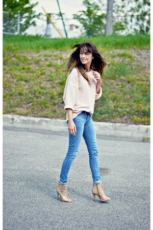 light pink reversible American Apparel sweater - sky blue leggings Levis jeans