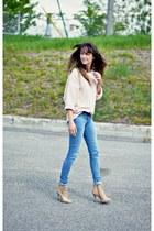 light pink reversible American Apparel sweater - sky blue leggings Levis jeans
