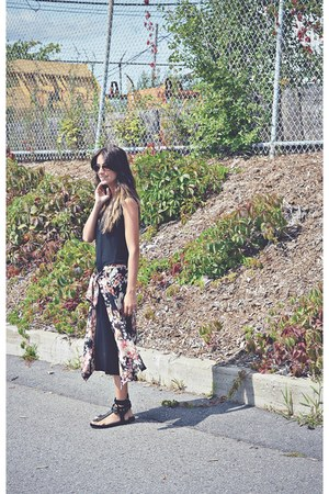 bubble gum floral kimono Ardene cardigan - black choiescom sandals