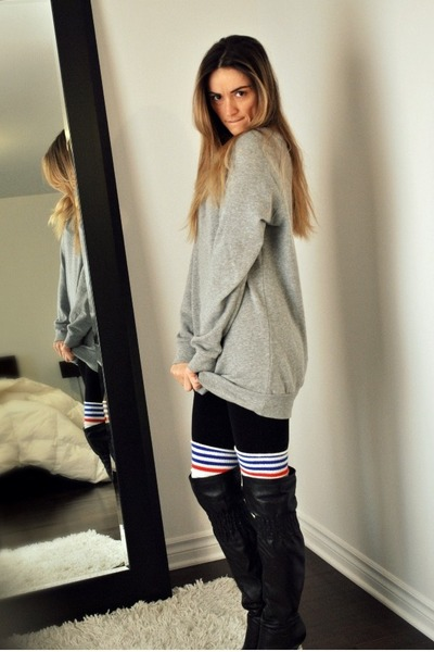gray Forever 21 sweater - black American Apparel leggings - white  socks - black