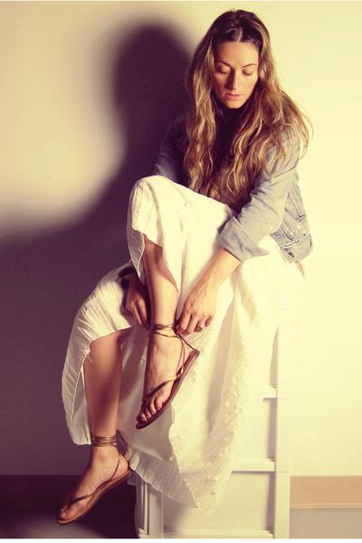 white vintage skirt - gold wrap up Aldo shoes
