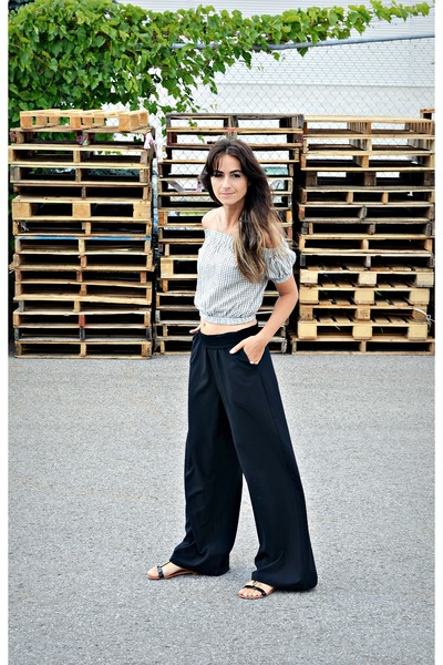 white PERSUNMALL top - black wide leg H&M pants