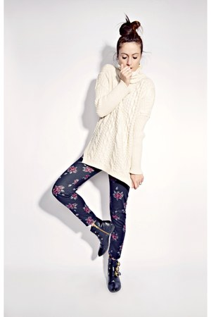 off white Oasapcom sweater - black floral print Ardene leggings