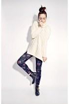 off white Oasapcom sweater - black floral print Ardene leggings
