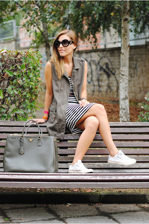 Prada bag - shein dress