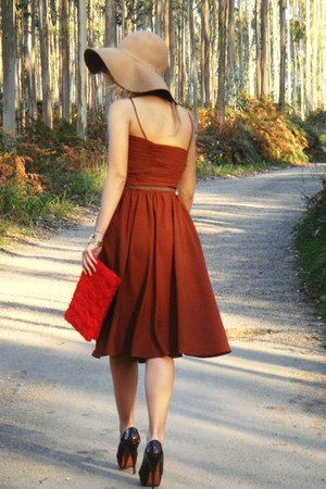Zara dress - H & M hat - H&M purse - Za ra heels