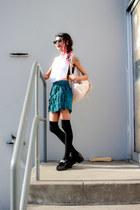 teal Missguided shorts - black wayfarer zeroUV sunglasses