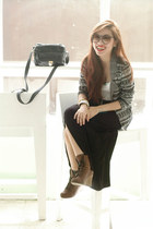 heather gray Bayo sweater - dark brown Pill boots - navy vintage sunglasses