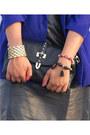 Blue-vintage-blazer-black-clutch-forever-21-bag-red-red-frame-sunglasses