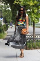 silver La Petite Marmoset skirt - tan Steve Madden shoes