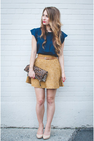 gold circle Club Monaco skirt - navy Forever 21 shirt