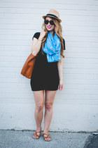black t-shirt Aritzia dress - sky blue Club Monaco scarf