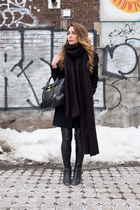 black leather Aritzia leggings - beige H&M sweater - black oversized Zara scarf