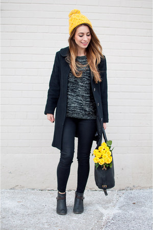 black oversized Aritzia coat - black skinny Topshop jeans