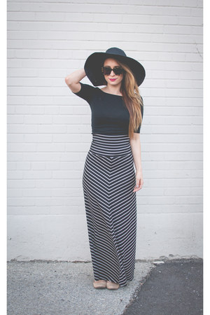 navy striped H&M skirt - black wide brimmed Marshalls hat
