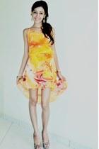 orange stamped Zara dress - golden purse - brown animal printed Andarela heels