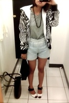 dickens jacket - t-shirt - vintage shorts - shoes
