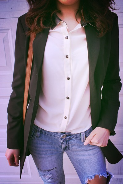 blue boyfriend jeans thrifted jeans - black long blazer Express blazer