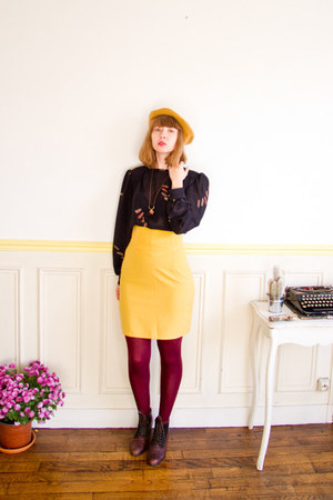 mustard beret vintage hat - crimson vintage boots - maroon asos tights